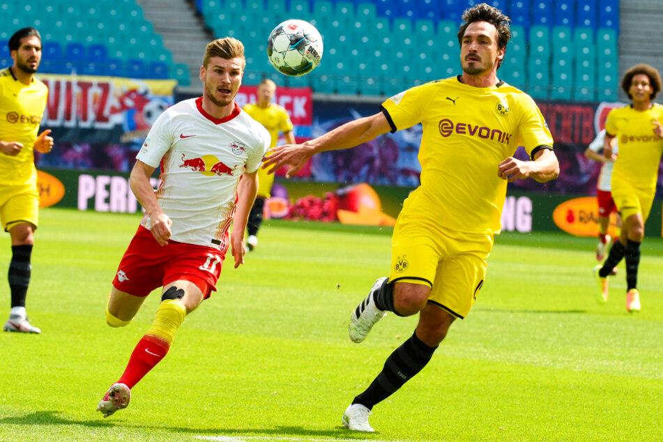 Mats Hummels (r.) verdammte nicht nur Deutschlands Nationalstürmer zur Wirkungslosigkeit, er leitete auch noch den BVB-Führungstreffer brasilianisch vor.