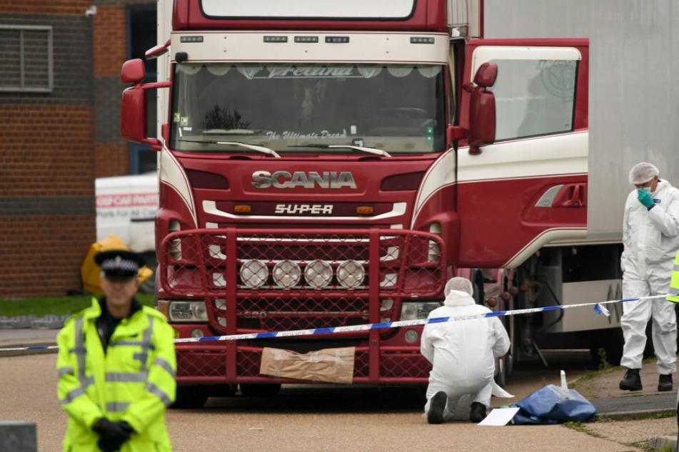39 tote Migranten im Kühllaster: Mann aus Irland bekennt sich schuldig!
