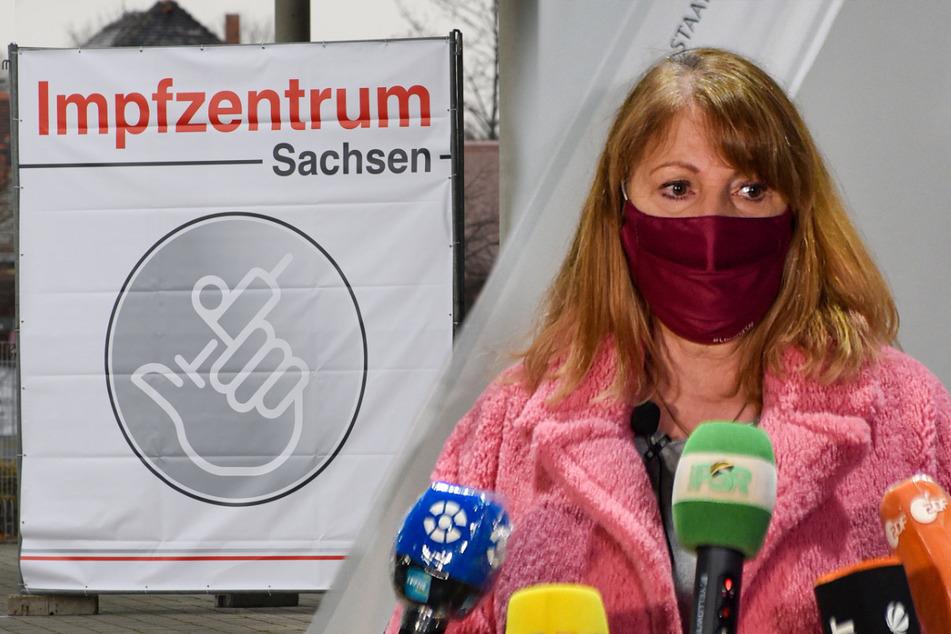Gesundheitsministerin Petra Köpping (62, SPD) kündigte an, dass alle impfwilligen Sachsen bis spätestens zum Spätsommer einen Termin für die Corona-Impfung bekommen.