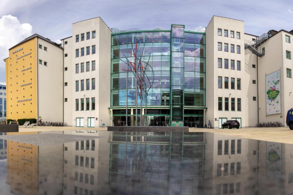 Die Zentralbibliothek im TIETZ ist für Besucher geschlossen, doch Digital-Angebote werden fleißig genutzt.