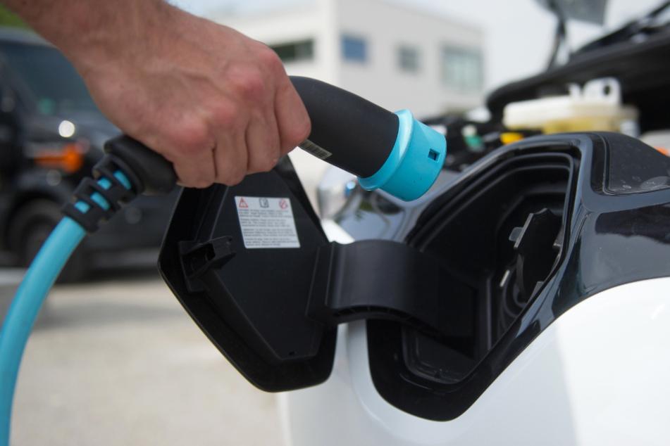 Stromverbrauch von E-Autos viel höher! Dieses Detail verschweigen Tesla & Co.