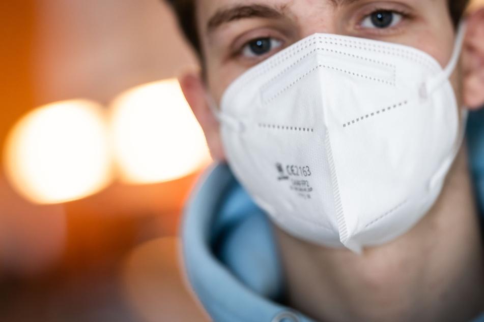 In Staßfurt in Sachsen-Anhalt sollen künftig FFP2-Masken produziert werden. (Symbolbild)