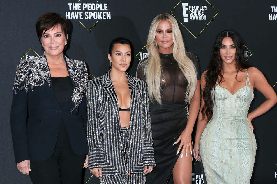 The Kardashian Clan (left to right): Kris Jenner, Kourtney Kardashian, Khloe Kardashian, Kim Kardashian West at the 2019 People s Choice Awards.
