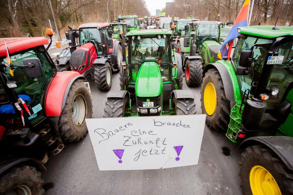 Erneut Bauernproteste in Berlin: Traktoren nehmen Regierungsviertel ein