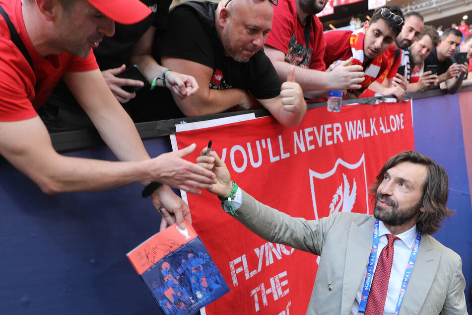 Pirlo verzückt Fans auf der ganzen Welt.