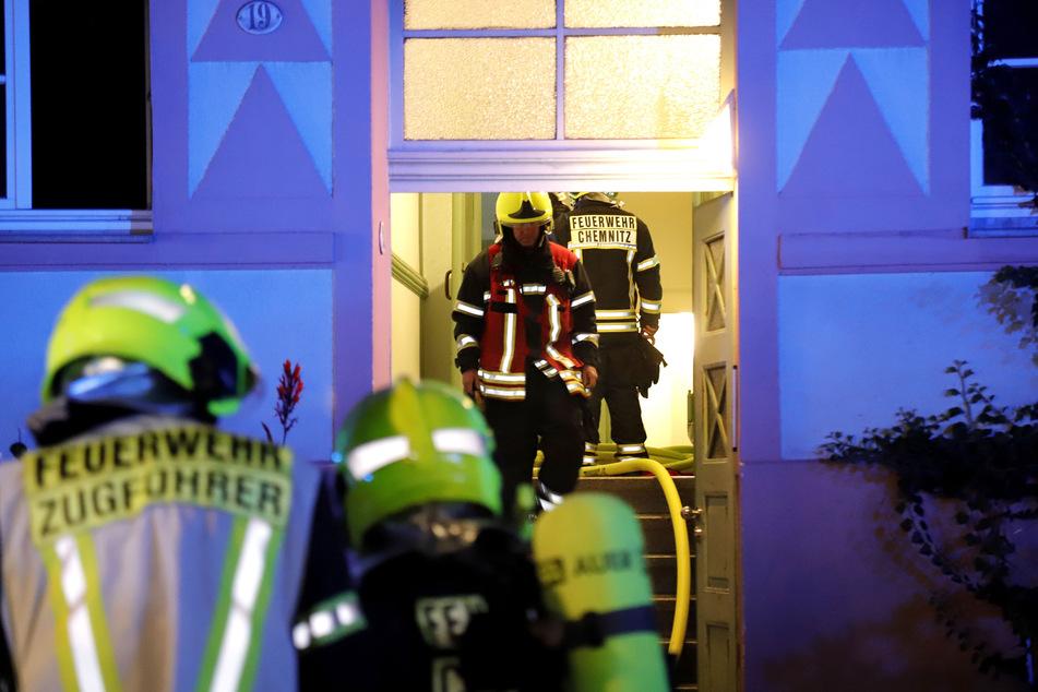 Feuerwehreinsatz in der Münchner Straße in Chemnitz: Eine Küche stand in Flammen.