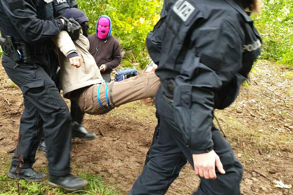 Keine Ruhe im Herrenwald: Polizei entfernt Zelt von Umweltaktivisten