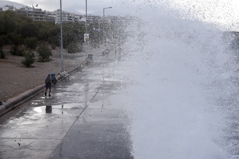 Migranten vor griechischer Trauminsel in Seenot