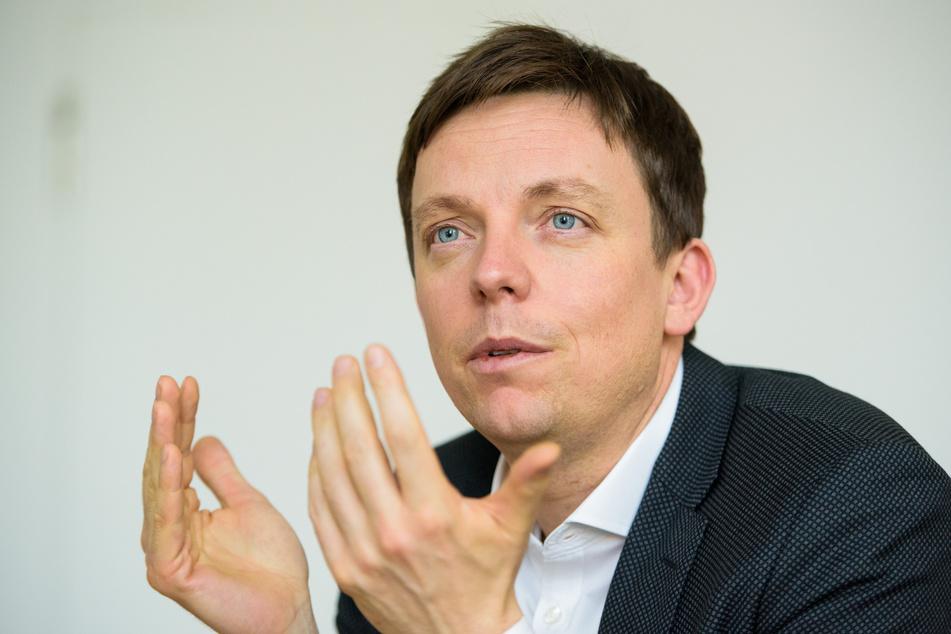 Saarlands Ministerpräsident Tobias Hans hat sich vor den Bund-Länder-Beratungen für eine Verschärfung ausgesprochen.