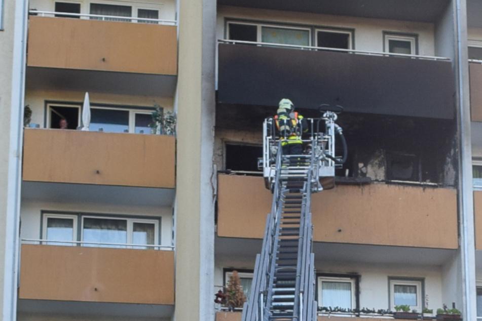 Fritteuse verursacht Flammen-Inferno in Hochhaus: Feuerwehr verhindert Schlimmeres