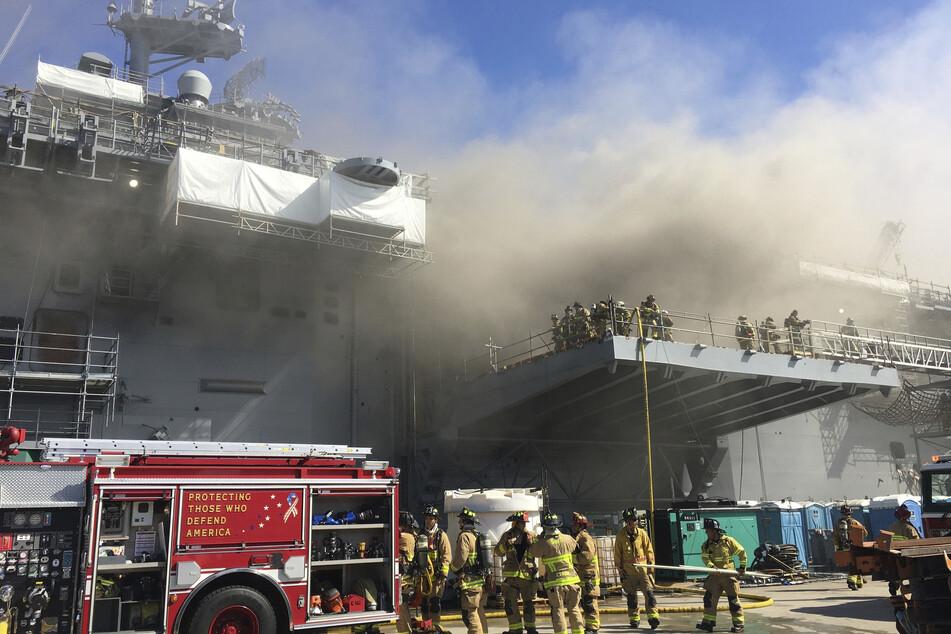 Feuer auf US-Kriegsschiff: 21 Menschen bei Explosion verletzt
