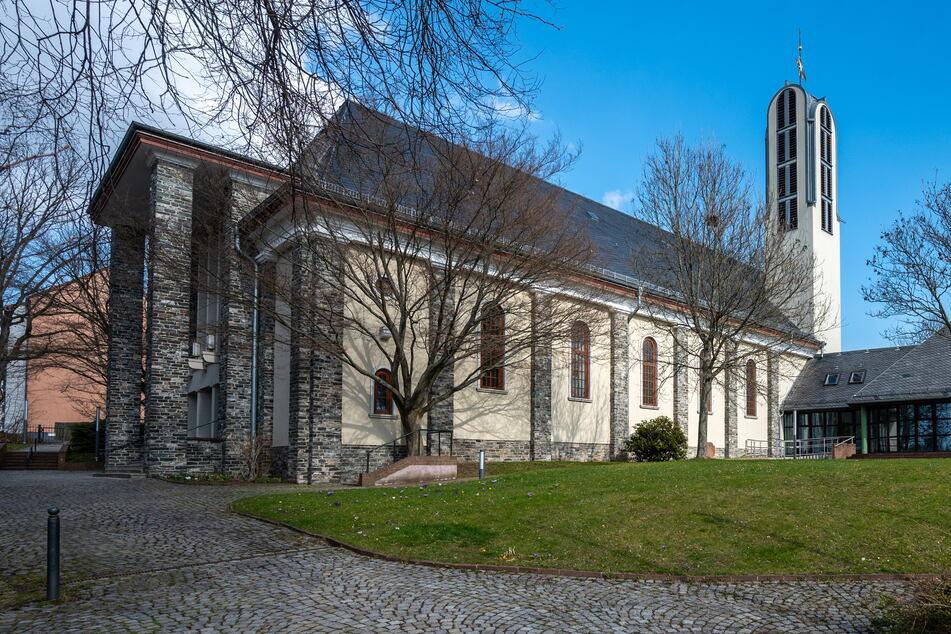 Die Propsteikirche St. Johannes Nepomuk am Fuße des Kaßbergs.