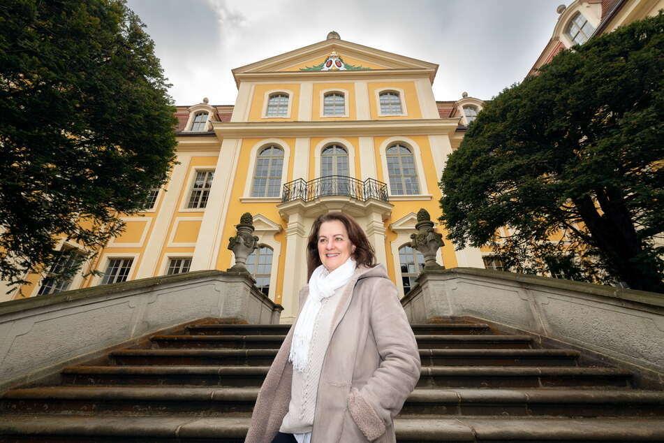 """Willkommen in Rammenau. """"Schlossherrin"""" Ines Eschler empfängt seit Mittwoch wieder Besucher."""