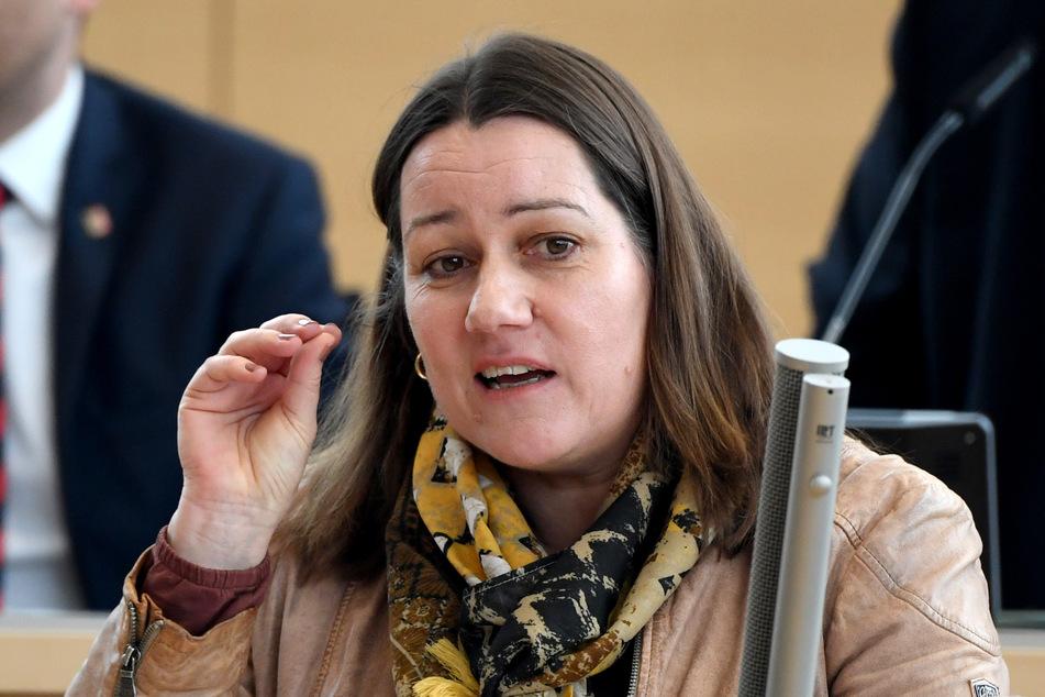 Beate Raudies, finanzpolitische Sprecherin der SPD-Fraktion im Landtag von Schleswig-Holstein, spricht bei einer Landtagssitzung in Kiel.