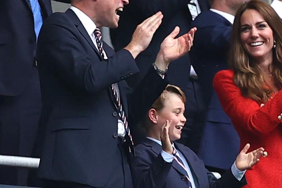 So freuten sich William, Kate und der kleine Prinz George über den EM-Sieg Englands