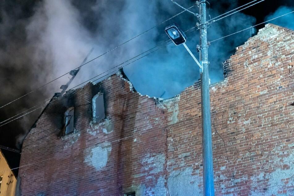 Das Gebäude wurde durch das Feuer vollständig zerstört.