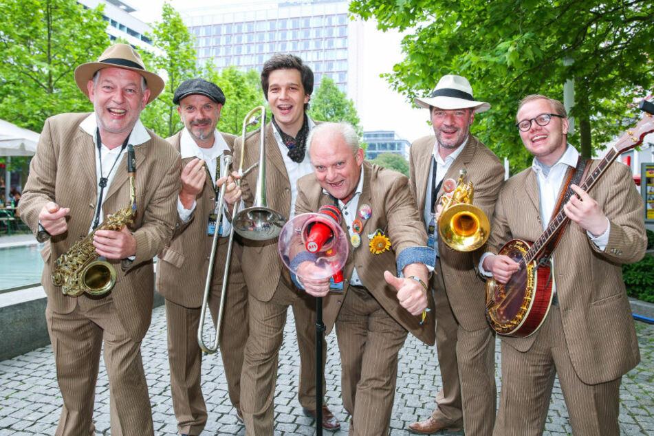 """Unter anderem wird die Band """"Sunshine Brass"""" für Stimmung sorgen."""
