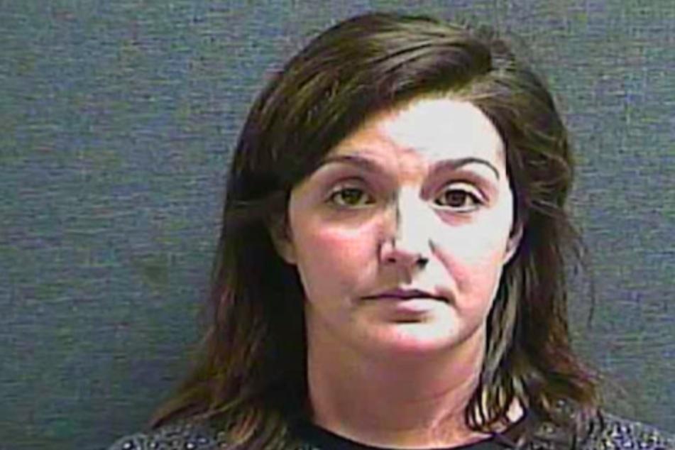 Mollie Verkamp (27) hatte gut ein Jahr lang ein Verhältnis mit einem Schüler. Nun sitzt sie im Gefängnis ein.