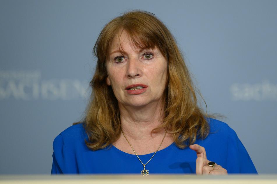 Sachsens Gesundheitsministerin Petra Köpping (62, SPD) fordert veränderte Kriterien bei der Verteilung der Corona-Impfstoffe.