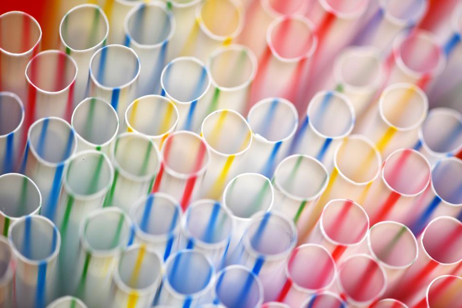 Ab dem 3. Juli 2021 ist es in der ganzen EU eine Ordnungswidrigkeit, bestimmte Artikel aus Einwegplastik zu verkaufen. (Symbolbild)