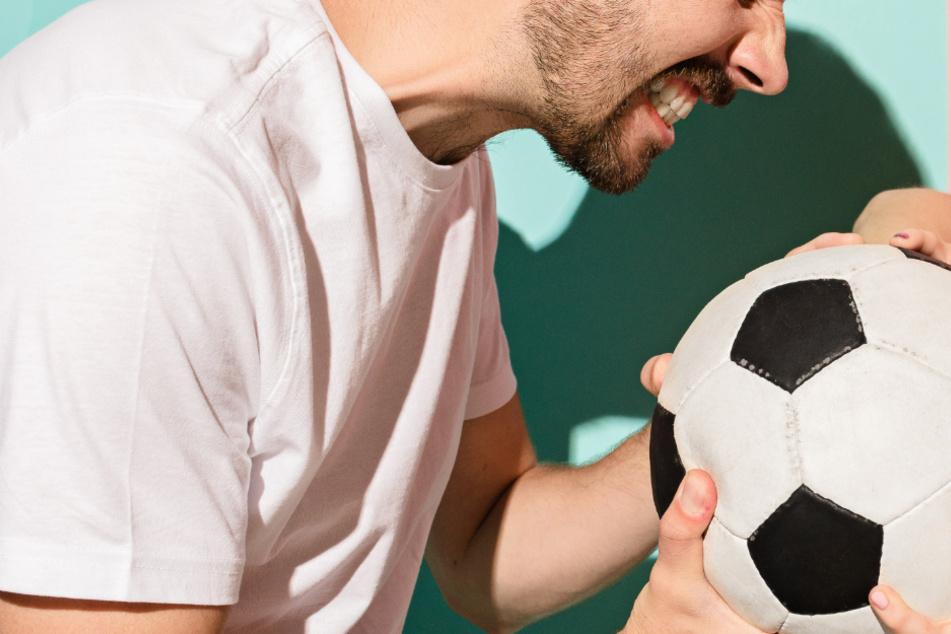 Hitzige Fußballdiskussion endet in wüster Schlägerei