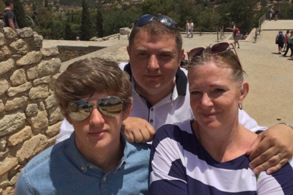 Bilder aus besseren Zeiten. Nick mit Ehefrau Nicki und seinem Sohn.