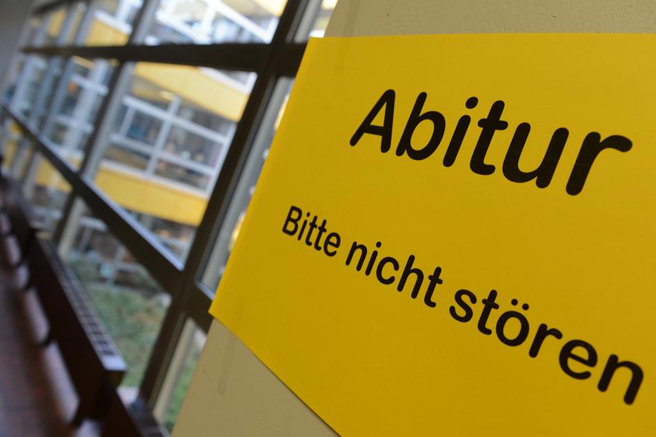 Während der Abiturprüfung wurde am Erfurter Gymnasium Edith-Stein ein Feuer in einer Schultoilette gelegt. Die Polizei ermittelt. (Symbolbild)