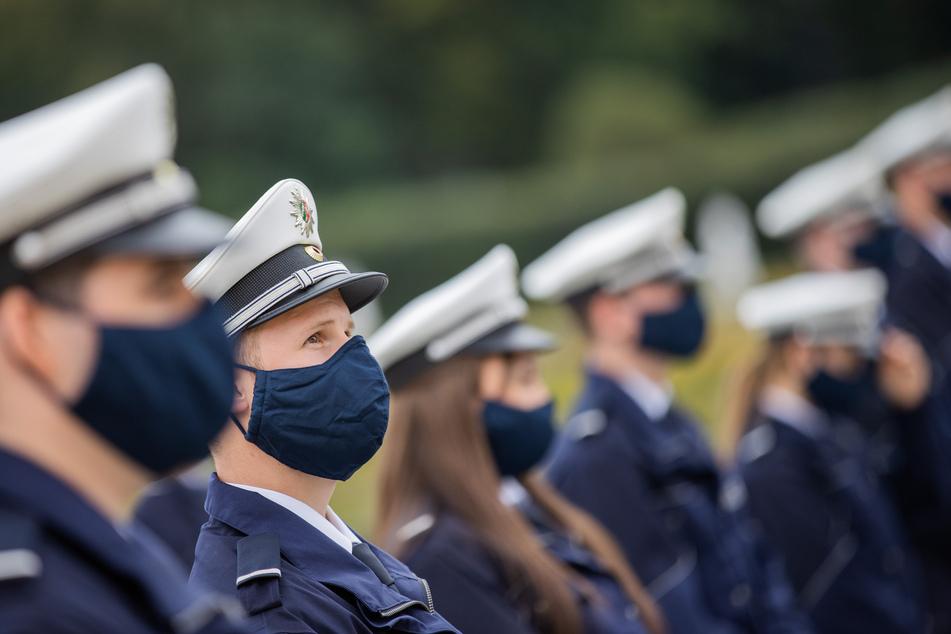 Die NRW-Polizei benötigt wegen der OP-/FFP2-Maskenpflicht keine Stoffmasken mehr.