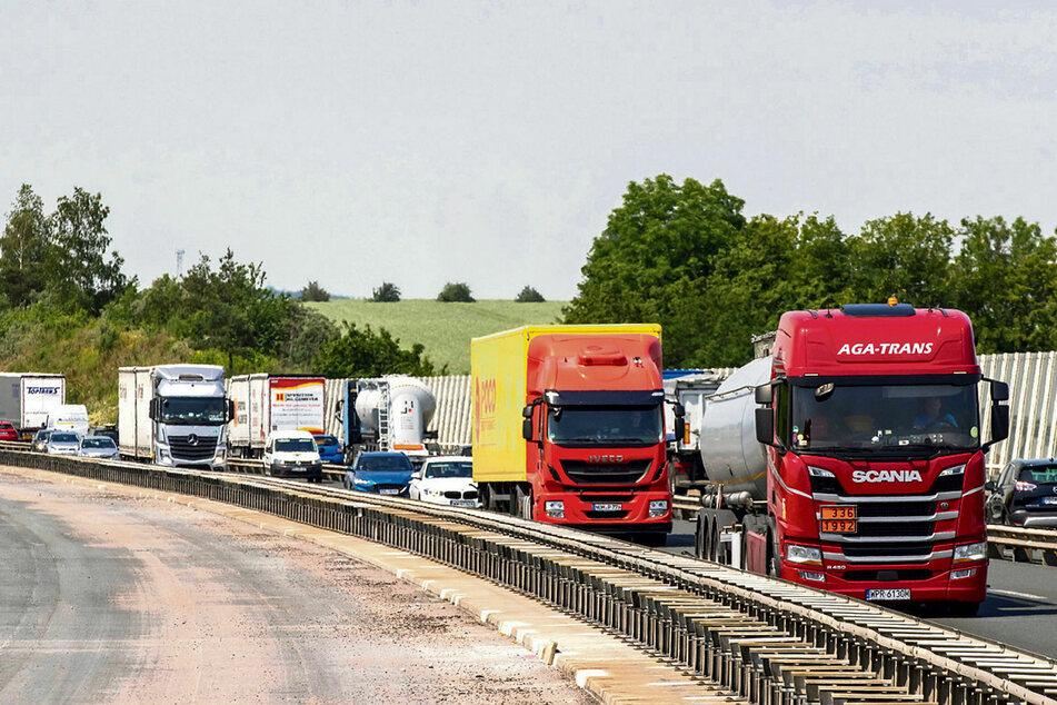 Dauerstau und schwere Lkw-Unfälle sind die Folge der Großbaustelle auf der A4 zwischen Nossen und Wilsdruff.