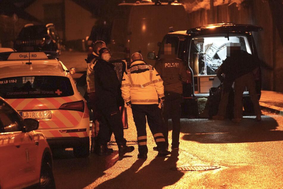 45-Jähriger droht, Freundin umzubringen, 15-jährige Tochter im Haus: SEK rückt an
