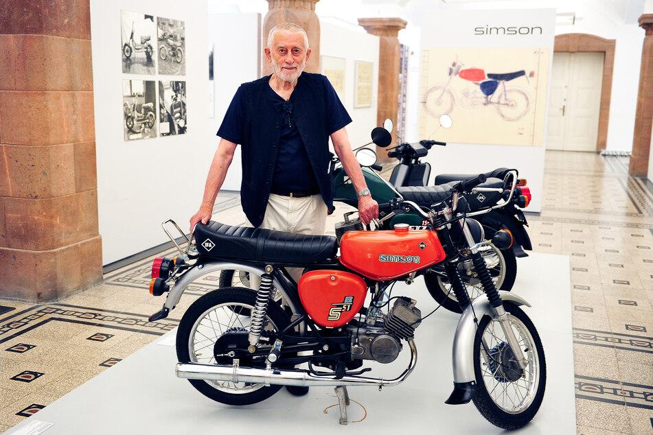 Karl Clauss Dietel (86) schuf mit der Simson S51 einen Klassiker des DDR-Designs - den er jetzt in den Kunstsammlungen Chemnitz präsentiert.