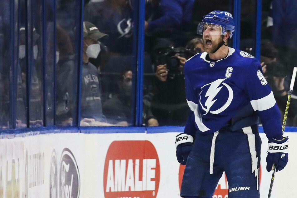 NHL Playoffs: Lightning strikes again, passing the Hurricanes to move on to the next round