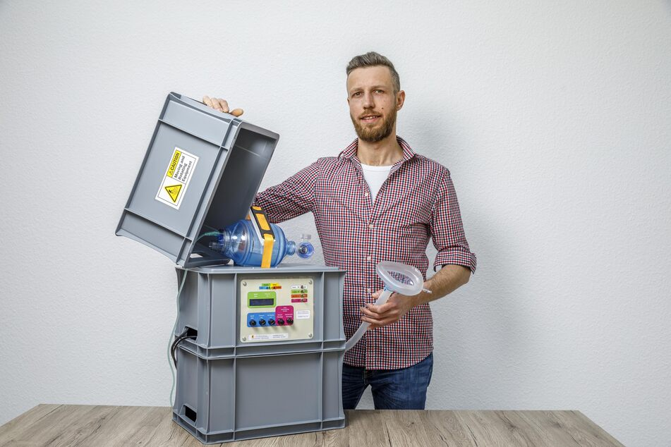 Dieser Elektromeister baut sich Beatmungsgerät aus Baumarkt-Teilen