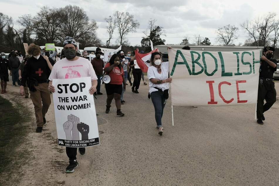 Female migrants punished with lockdown after protesting tuberculosis outbreak at ICE facility