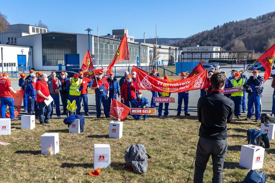 Erste Warnstreiks in Tarifrunde Metall in Sachsen