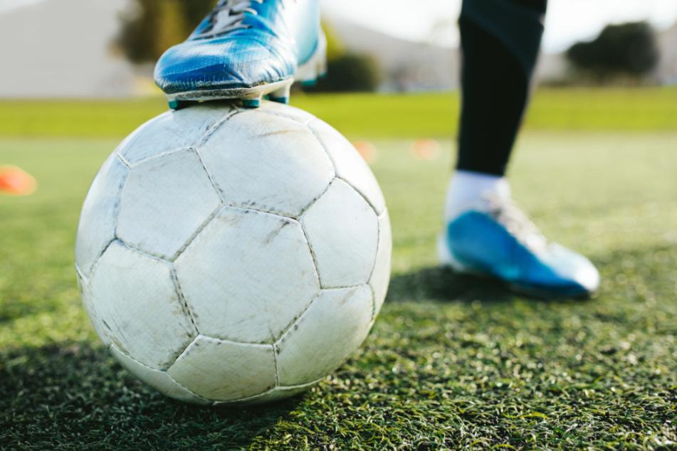 Corona-Ausbruch im Amateur-Fußball: Rund 400 Menschen in Quarantäne!
