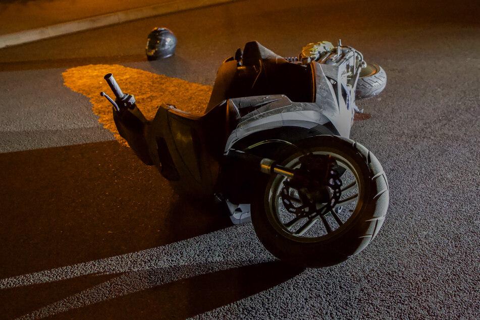 Rollerfahrer liefert sich Verfolgungsjagd mit Polizei und beschädigt Streifenwagen