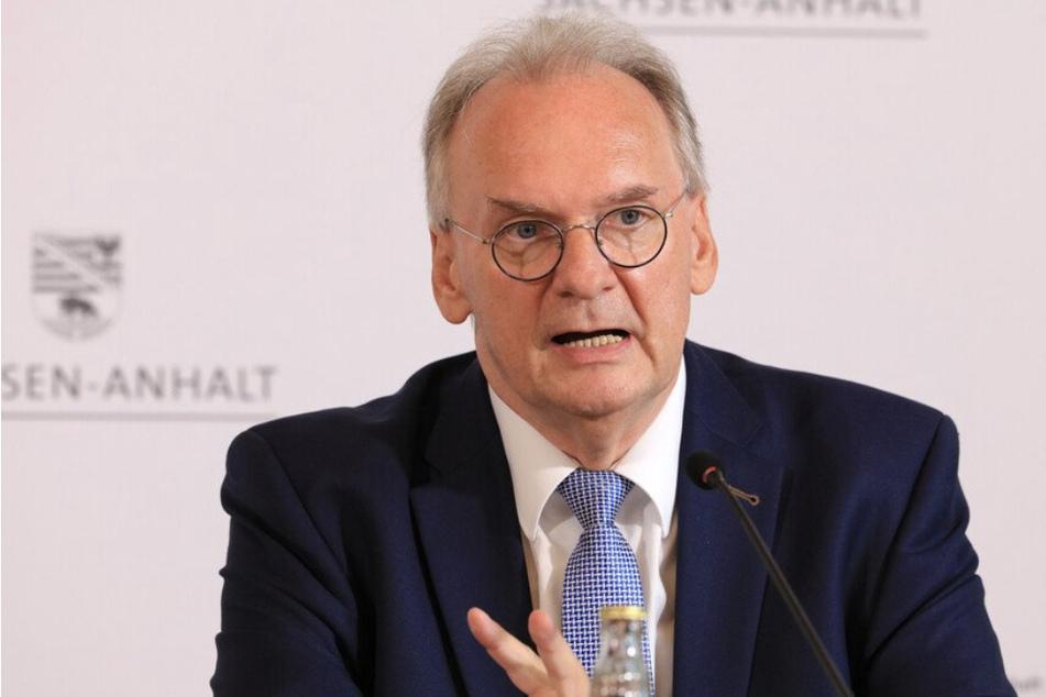 Während seiner vergangenen Legislaturperiode bekam Ministerpräsident Reiner Haseloff (67, CDU) rund 100 Geschenke und Mitbringsel.