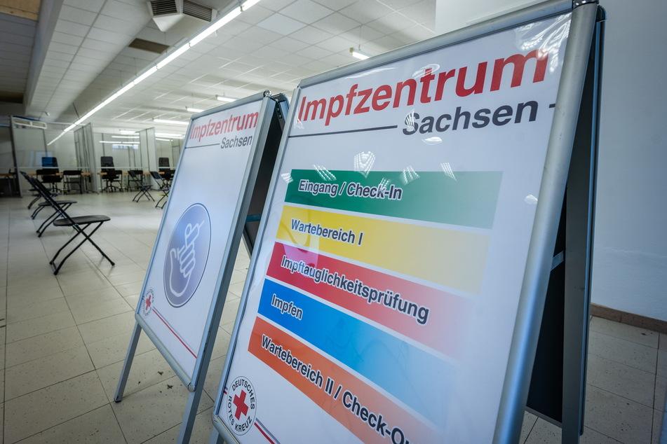 Ein ehemaliger Supermarkt wurde in Chemnitz zum Corona-Impfzentrum umfunktioniert.
