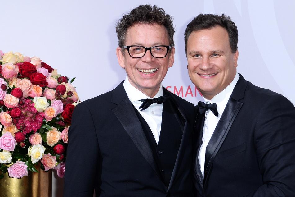 Star-Designer Guido Maria Kretschmer (56, r.) und Frank Mutters (66) sind seit mehr als 35 Jahren ein Paar, seit 2018 auch verheiratet. Die Corona-Pandemie war für die beiden ein Geschenk. (Archivfoto)