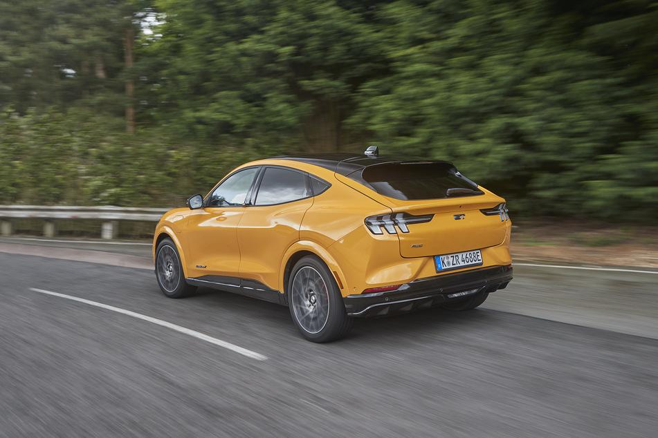 Starke Werte für das Elektroauto: 487 PS und 860 Newtonmeter gibt's sonst nur in starken Sportwagen.