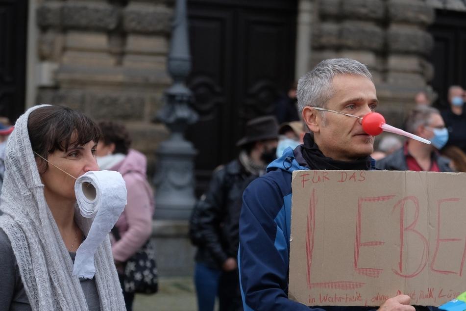 """Eine Demonstration der Bewegung """"Querdenken 351"""" im Oktober 2020 in Dresden. Im Freistaat haben rund 42 Prozent Verständnis für die Corona-Proteste."""