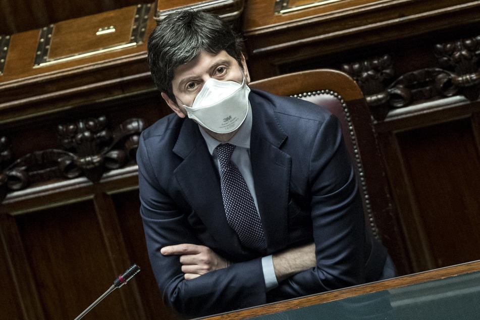Roberto Speranza (42), Gesundheitsminister von Italien, und mehrere Experten wiesen darauf hin, dass die britische Virus-Variante in dem Mittelmeerland mit deutlich über 50 Prozent der Fälle vorherrschend sei. Es handelt sich um eine ansteckendere Variante mit häufiger schweren Verläufen.