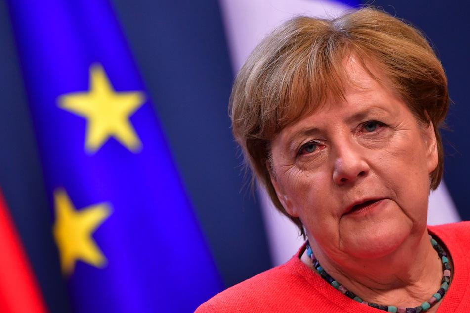 Bundeskanzlerin Angela Merkel (66).