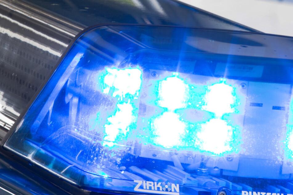 Wie die Polizei mitteilte, war eine Sprengfalle am Fahrzeug installiert. (Symbolbild)