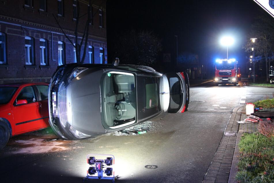 ... bevor die Unfallfahrerin (51) mit einem weiteren Auto kollidierte und auf die Seite kippte.