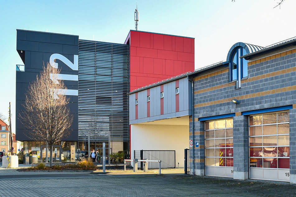Auf das Dach der Rettungszentrale an der Scharfenberger Straße soll eine Photovoltaikanlage.