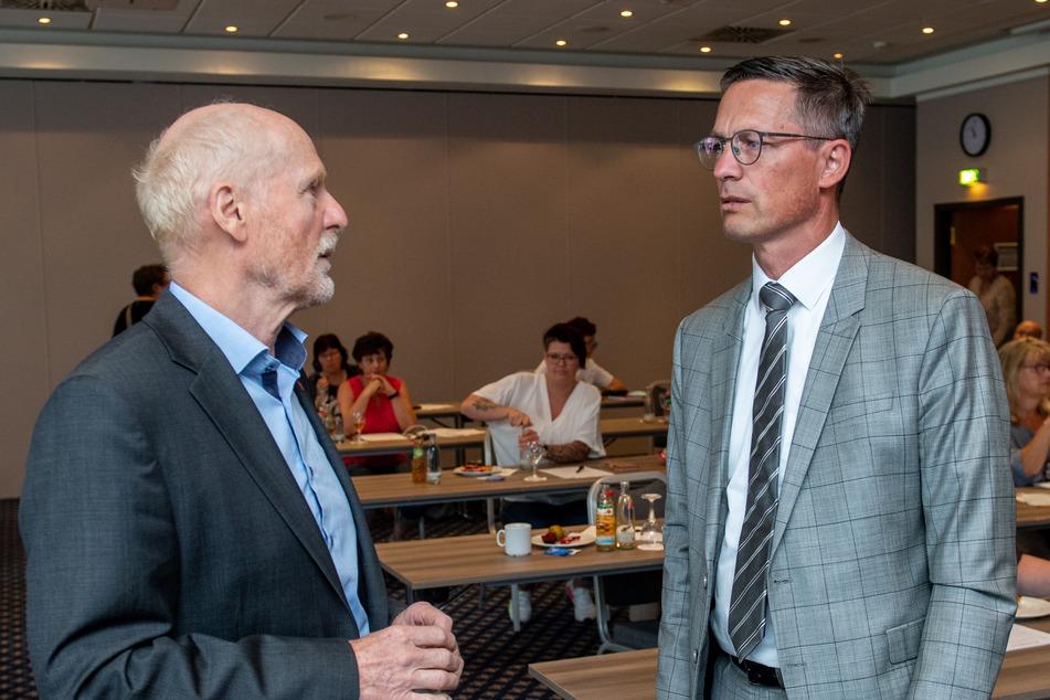 Jörg Lauenroth-Mago (l), Verdi-Verhandlungsführer, und Thomas Jäkel, Verhandlungsführer der Arbeitgeber, kamen zu keiner Einigung.