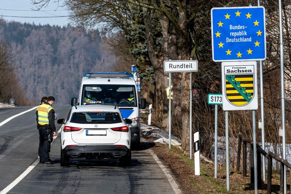 Tausende an sächsischen Grenzen zu Tschechien abgewiesen