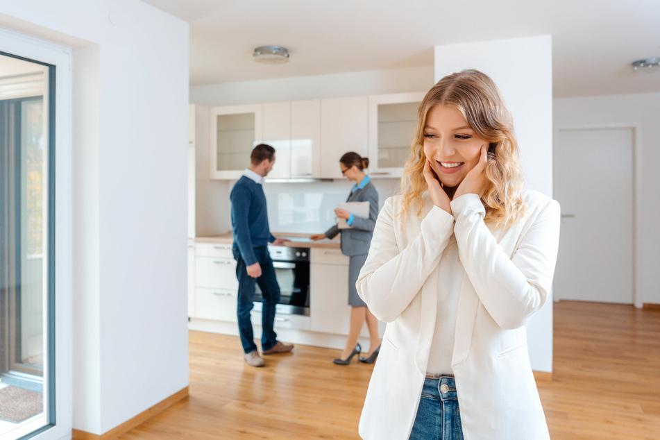 Beim Immobilienkauf müssen die Käufer nur noch maximal die Hälfte der Maklerkosten übernehmen.